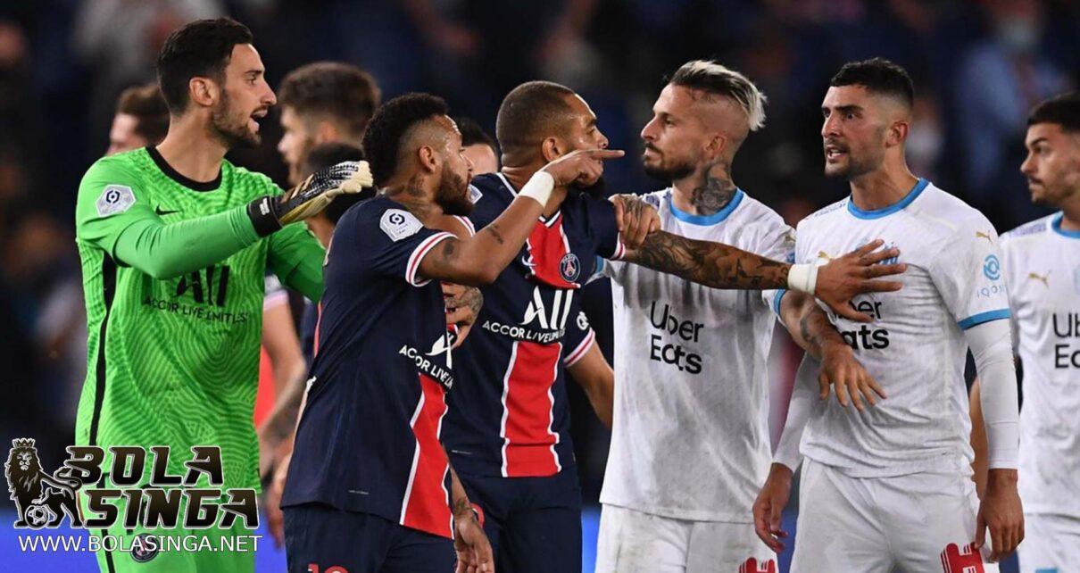 Heboh, Pertandingan PSG vs Marseille Dihujani 5 Kartu Merah!